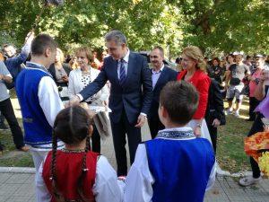 Lansare de carte în comuna Albești, în prezența Altețelor Regale, Principesa Margareta si Principele Radu de România [FOTO]