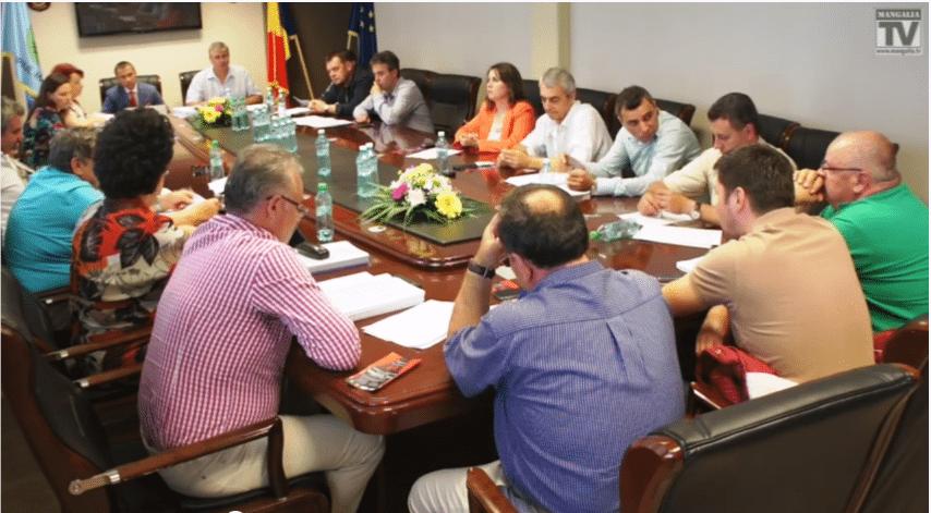 Scandalul dintre Radu şi Iorguş a ajuns în faza absurdului: consilierii PSD refuză bani de la Guvern (VIDEO)
