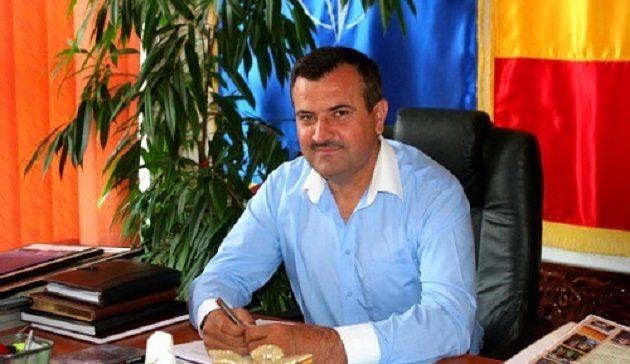 LITORAL TV: Primarul comunei Peștera, Valentin Vrabie cere depolitizarea instituțiilor publice