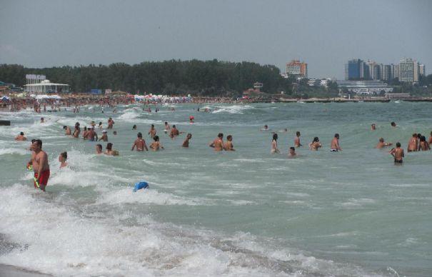 Zi neagră pe litoral. Turişti înecaţi pentru că ignoră atenţionările salvamarilor